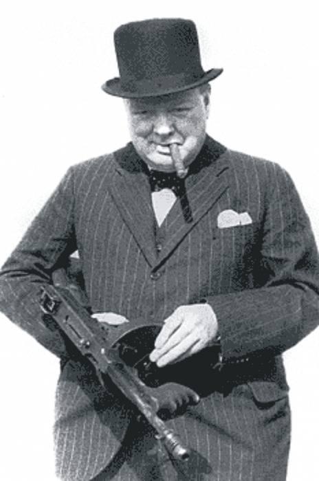 с оружием Черчилль